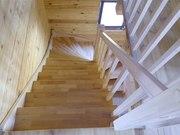 Деревянная лестница в дом или на дачу. Любая форма и размер.